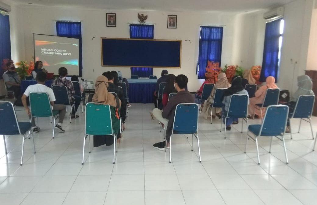 Perkuat Sebagai Kampung Penggerak Literasi TIK, KIM Pangongangan Madiun Adakan Sinau Bareng Menjadi Konten Kreator Video